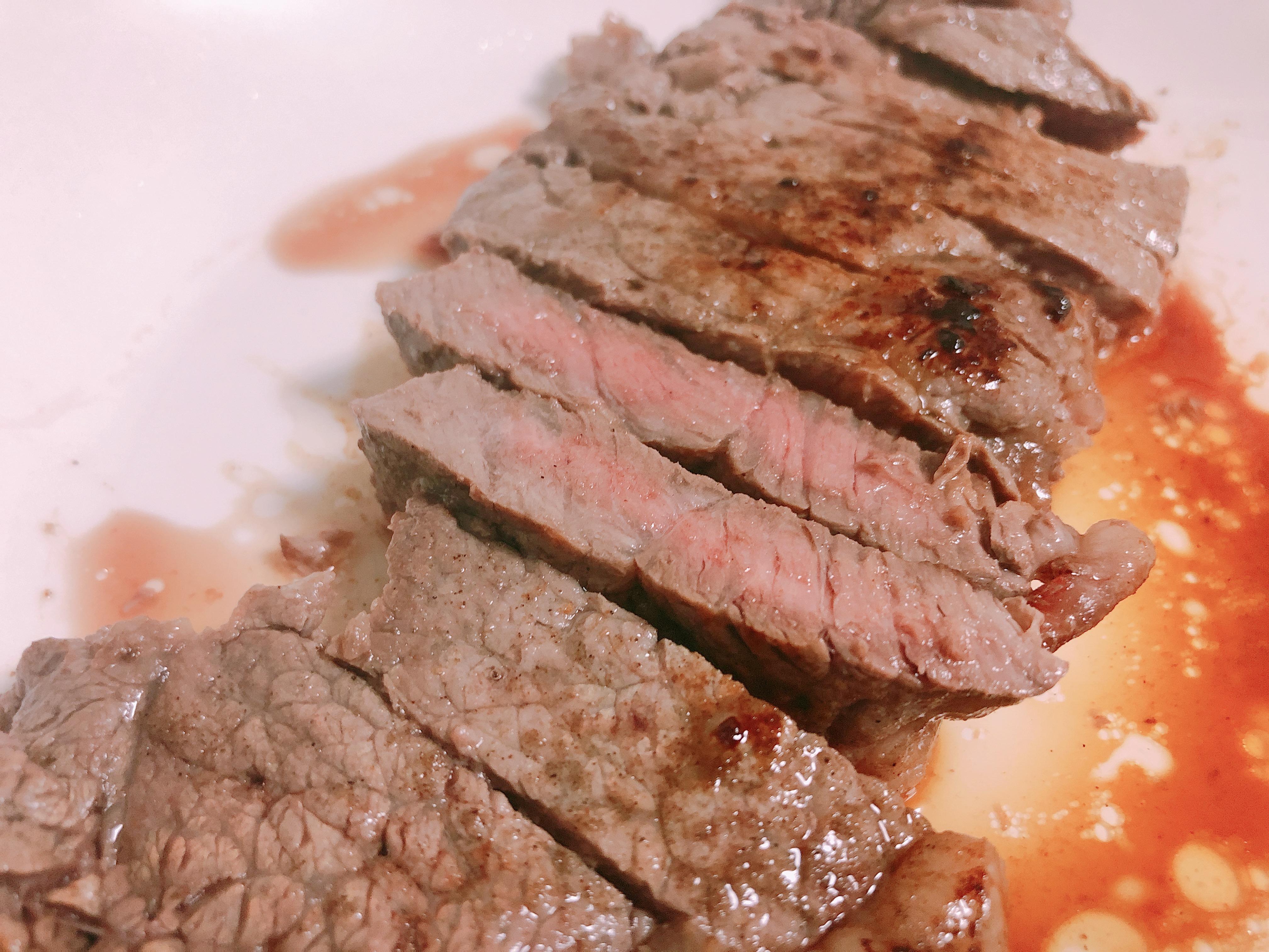ライザップ19日目の食事。ステーキが美味すぎて糖質制限が苦じゃない件