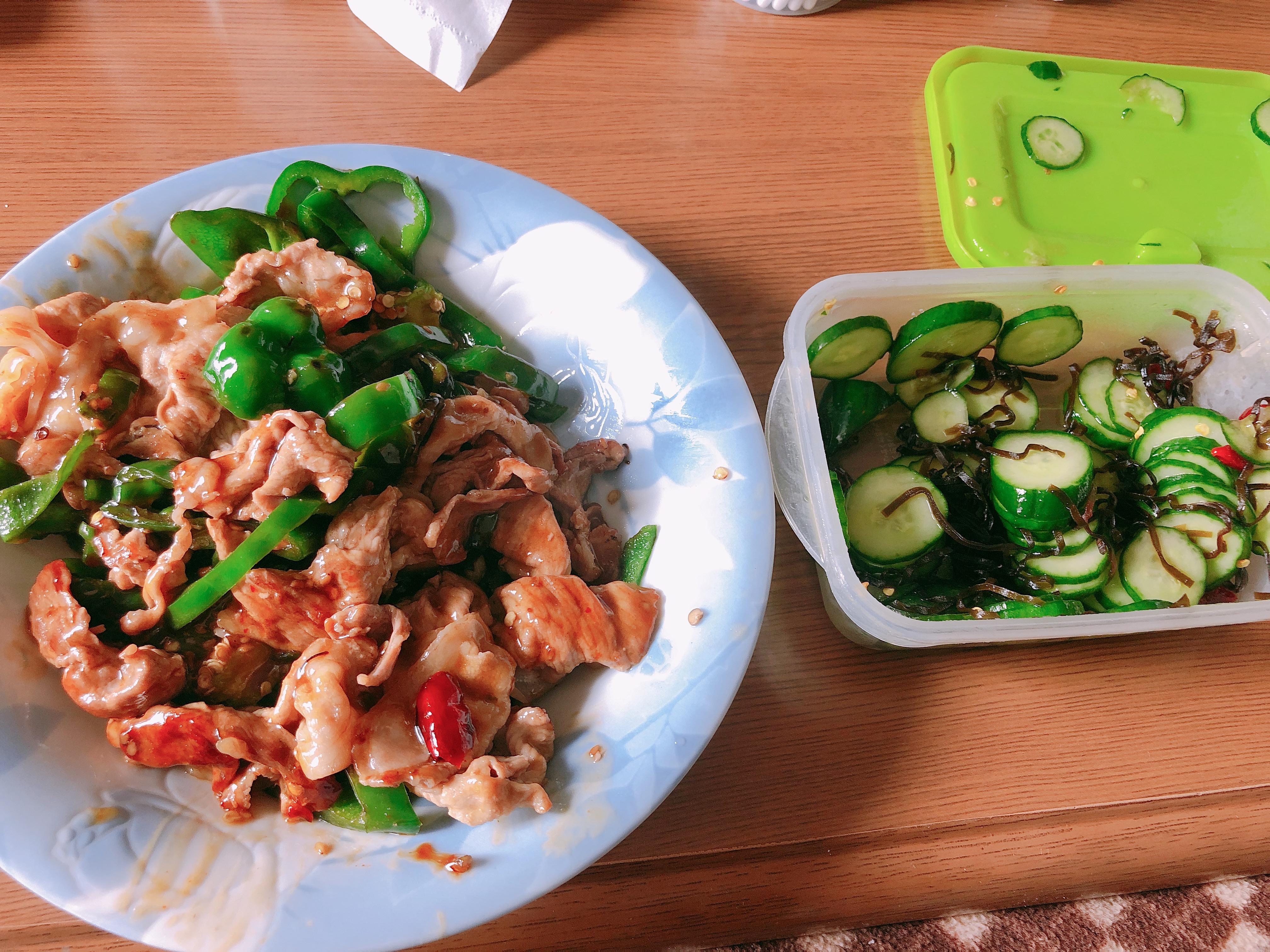 ライザップ42日目の食事。豚肉とピーマンの甘辛炒め